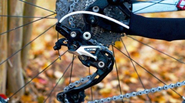クロスバイクのリアディレイラー(変速装置)の調整