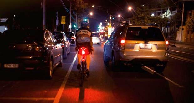 クロスバイクのテールライトの選び方・おすすめ【シートステー・取付け】