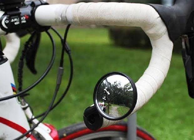 ロードバイクに乗るときの後方確認はどうしたらいいのか【ミラー】