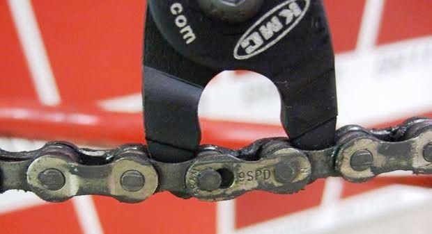 ロードバイクのミッシングリンクは取付ける向きに注意【チェーン】