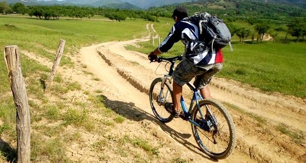 クロスバイクにおすすめなリュックサック・バックパック【ドイター】