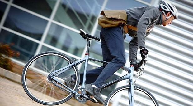 クロスバイクで街乗りするときの服装・ファッション