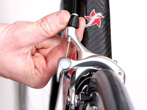 ロードバイクのブレーキ調整方法・やり方